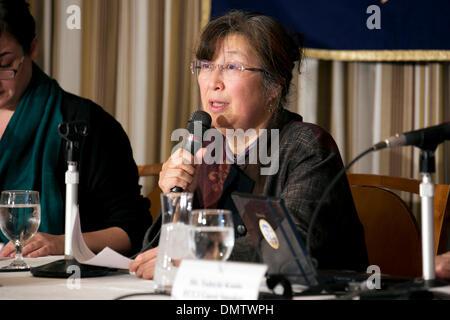 Tokyo, Japan. 17th December 2013. - Representative of Fukushima Disaster Plaintiffs, Ruiko Mutoh speaks about the - Stock Photo