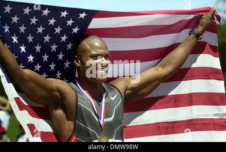 Jun 23, 2002; Palo Alto, CA, USA; 400 meter runner Alvin Harrison celebrates his victory at the USA Track and Field - Stock Photo