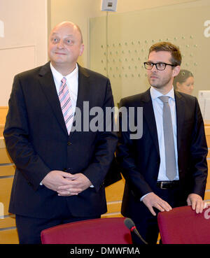 Hanover, Germany. 17th Dec, 2013. Former spokesman of former German President Wulff, Olaf Glaeseker (L), and his - Stock Photo