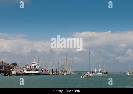 Boats at East and West Cowes on the Isle of Wight. - Stock Photo