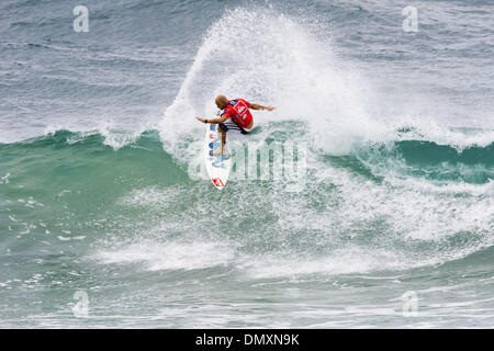 Mar 02, 2006; Snapper Rocks, Coolangatta, Queensland, AUSTRALIA; WCT veteran JAKE PATERSON (WA) posted an impressive - Stock Photo