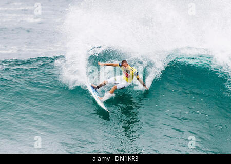 Mar 02, 2006; Snapper Rocks, Coolangatta, Queensland, AUSTRALIA; WCT rookie DAVEY WEARE (Durban, RSA) posted a convincing - Stock Photo