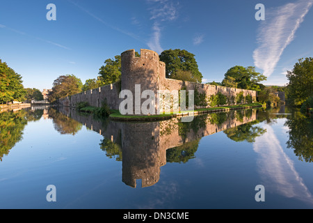 The Bishop's Palace and moat in the city of Wells, Somerset, England. Autumn (September) 2013. - Stock Photo