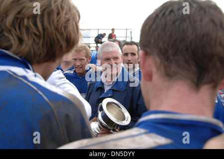 Sep 01, 2006; Philadelphia, PA, USA; Chicago Wolfe Tone's are presented the Sr. Men's Football Cup by Irish GAA - Stock Photo