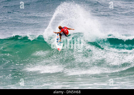 Mar 02, 2006; Snapper Rocks, Queensland, AUSTRALIA; JAKE 'The Snake' PATERSON, seen here surfing with his distinctive - Stock Photo