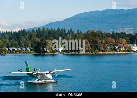 Westcoast Air DHC-6 DeHavilland Twin Otter getting ready for take-off in Vancouver, British Columbia, Canada. - Stock Photo