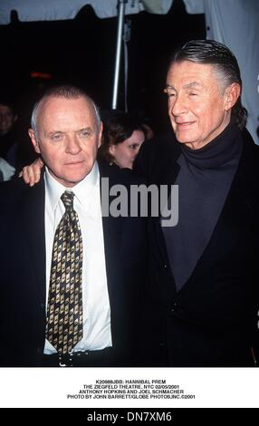 Feb. 5, 2001 - K20988JBB: HANNIBAL PREM .THE ZIEGFELD THEATRE, NYC 02/05/2001.ANTHONY HOPKINS AND JOEL SCHMACHER. - Stock Photo
