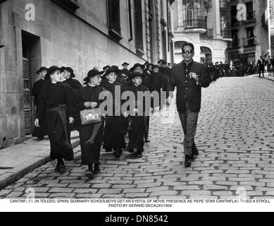 May 24, 2001 - CANTINFLAS (IN TOLEDO, SPAIN) SEMINARY SCHOOLBOYS GET AN EYEFUL OF MOVIE PRESENCE AS 'PEPE' STAR - Stock Photo