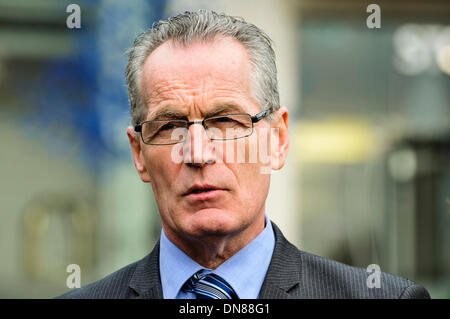 Belfast, Northern Ireland. 20 Dec 2013 - Sinn Fein, led by Gerry Kelly, arrive at the Haass talks over the Northern - Stock Photo