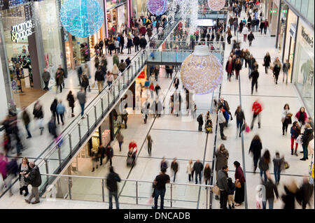 Manchester, UK. 22nd December, 2013. An internal shot of Manchester Arndale shopping centre during the Christmas - Stock Photo