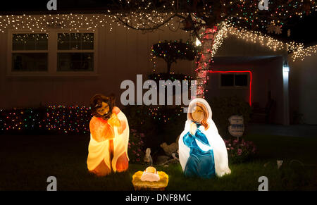 Los Angeles, California, USA. 24th Dec, 2013. Christmas decorations are seen at a neighbourhood in Los Angeles, - Stock Photo