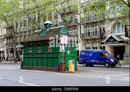 Central London taxi cabmans' shelter and café Thurloe Place London SW7 UK - Stock Photo