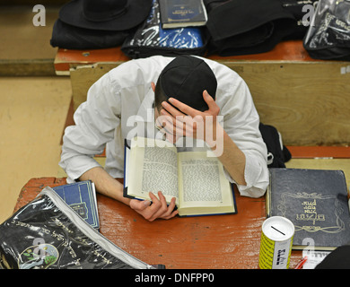 Lubavitch Hassidic student studying Talmud at their headquarters and synagogue at 770 Eastern Parkway in Brooklyn, - Stock Photo