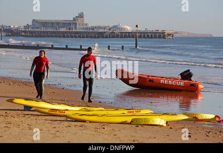 Bournemouth, Dorset UK. 26th Dec, 2013. Bournemouth lifeguards put on a life saving rescue demonstration for the - Stock Photo