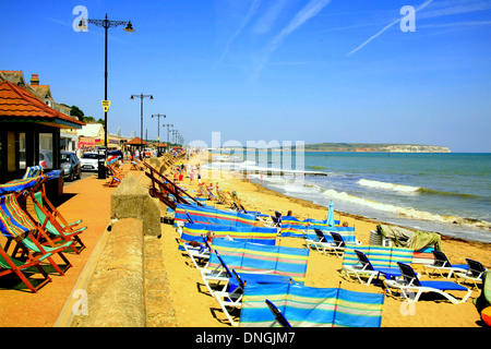 The beach and seafront with Sandown bay at Shanklin, Isle of Wight. - Stock Photo