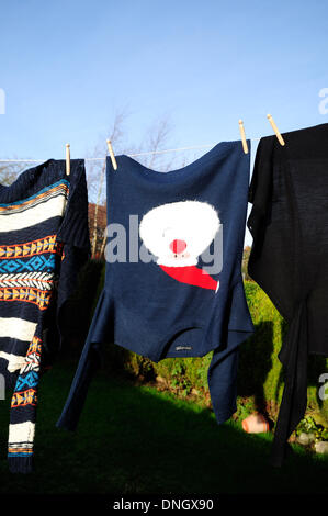 Nottinghamshire, UK. 29th Dec, 2013. Good day for washing the Christmas jumper and putting it way ready for next - Stock Photo