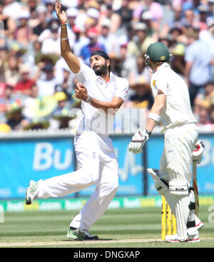 Melbourne, Australia. 27th Dec, 2013. Monty Panesar in bowling action during the during day two of the Fourth Ashes - Stock Photo
