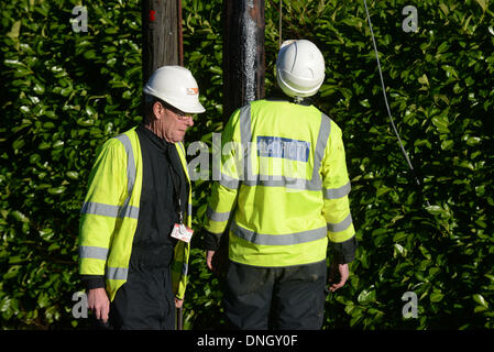 Haywards Heath, Sussex, UK . 29th Dec, 2013. UK Power Networks staff pictured repairing the network in Haywards - Stock Photo
