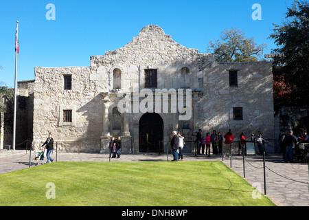 Tourists at the Alamo in San Antonio, Texas - Stock Photo
