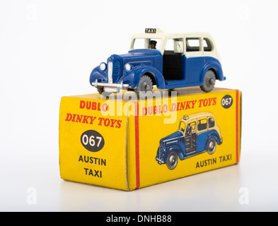 Duplo Dinky diecast Austin Taxi 1:78 OO scale 1960 - 1963 - Stock Photo
