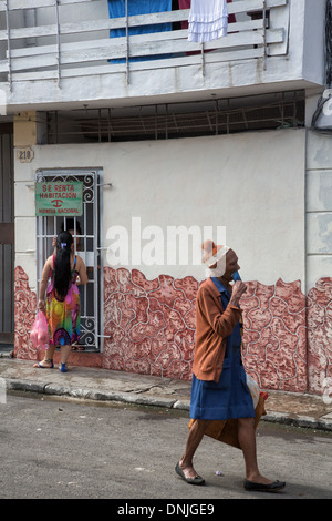 HOUSING RENTAL AND THE PAINTED WALLS IN THE CITY, HAVANA, CUBA, THE CARIBBEAN - Stock Photo