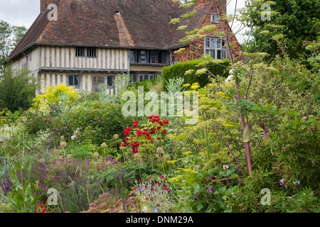 Summer borders at Great Dixter. Sussex England - Stock Photo