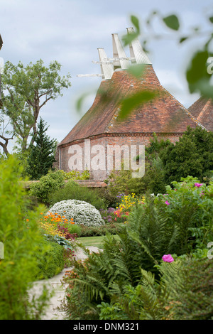 Summer borders at Great Dixter Sussex England. - Stock Photo