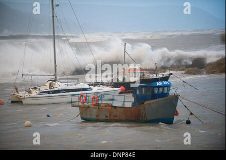 Barmouth, Gwynedd, Wales, UK. 3rd January 2014. With over 500 flood warnings and alerts nationwide The Environment - Stock Photo