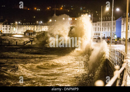 Aberystwyth Wales UK, Friday 03 January 2014 The second high tide of the day brought further damaging waves to batter - Stock Photo