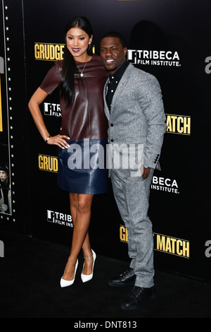 ¿Cuánto mide Eniko Parrish? - Real height Kevin-hart-and-eniko-parrish-attend-the-premiere-of-grudge-match-at-dnt813