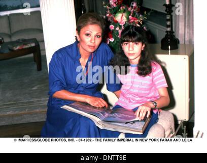 June 15, 2001 - © IMAPRESS/   07-1982 - THE FAMILY IMPERIAL IN NEW YORK FARAH AND LEILA(Credit Image: © Globe Photos/ZUMAPRESS.com) - Stock Photo