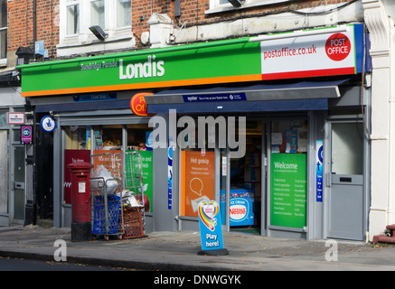 A Londis convenience shop in a small local parade. - Stock Photo