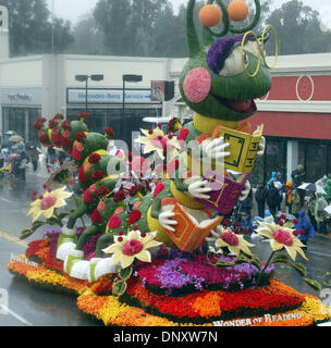 Jan 02, 2006; Pasadena, CA, USA; Founders' Trophy winner float makes its way down to Colorado Boulevard during the - Stock Photo