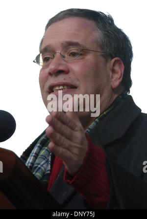Jan 16, 2006; Manhattan, New York, USA; Manhattan Borough President SCOTT STRINGER speaks as thousands of members - Stock Photo
