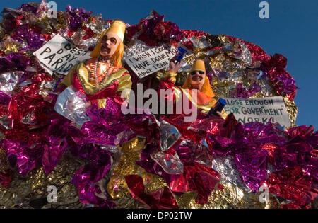 Feb 26, 2006; New Orleans, LA, USA; Members of the Mid-City Krewe parade down St. Charles St. in New Orleans. Mandatory - Stock Photo
