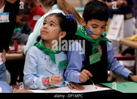 May 06, 2006; San Diego, CA, USA; ADELA, 5, left, and her brother, JAVIER, 6, participate in arts and crafts activities - Stock Photo