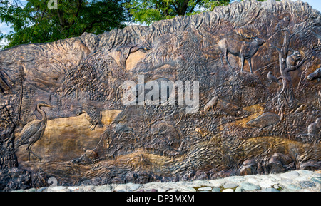 Tsceminicum, sculpture by Nancy Dreher, interpreting Native American mythology, Lewis and Clark Center in Lewiston, - Stock Photo