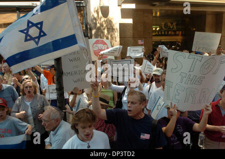 Jul 16, 2006; Manhattan, NY, USA; Dozens of people rally outside the Syrian Mission to the United Nations to demand - Stock Photo