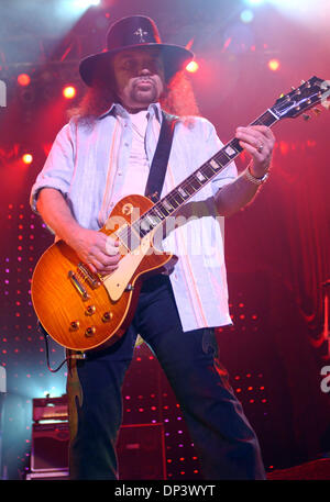 Jul 18, 2006; Raleigh, NC, USA; Guitarist GARY ROSSINGTON of the band Lynyrd Skynyrd performs live as there 2006 - Stock Photo