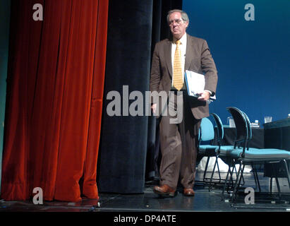 Aug 03, 2006; New York, NY, USA; KEVIN BURKE, Chairman, President and CEO Consolidated Edison, Inc. exits following - Stock Photo