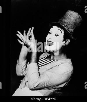 Marcel Marceau (1923-2007), French Actor and Mime, Top Hat and White Makeup, Portrait, circa 1955 - Stock Photo