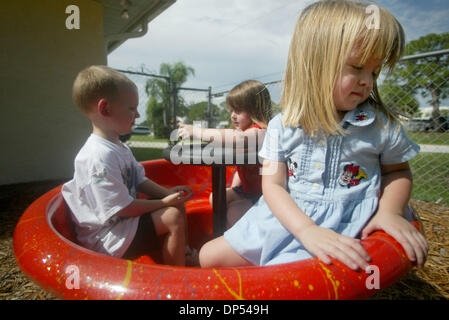 Aug 31, 2006; Port St. Lucie, FL, USA; Emily Carbough, 3, turns away after her classmates said they didn't want - Stock Photo