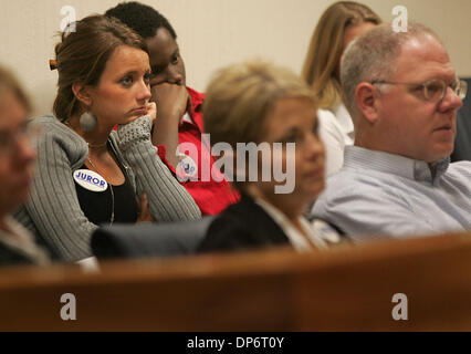 Oct 25, 2006; Jensen Beach, FL, USA; After being sworn in as official jurors just like the adult jury that sat in - Stock Photo