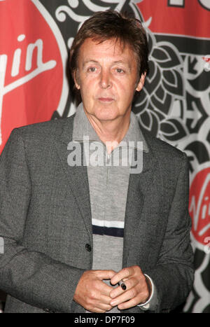 Nov 13 2006 New York NY USA Singer PAUL MCCARTNEY Promotes