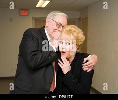 Apr 30, 2006 - Omaha, NE, USA - Actress DEBBIE REYNOLDS and businessman WARREN BUFFETT. (Credit Image: © James Colburn/ZUMA - Stock Photo
