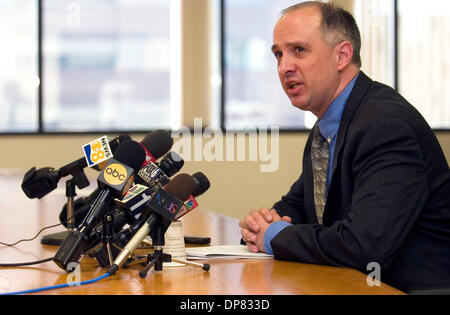 Nov 03, 2006; Carlsbad, California, USA; DAVID BLAIR-LOY, legal director for the ACLU of San Diego, speaks during - Stock Photo