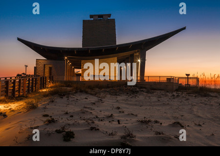 Pavilion including concessions, shower and restroom facilities at Gulf State Park on the beach at Gulf Shores, Alabama - Stock Photo