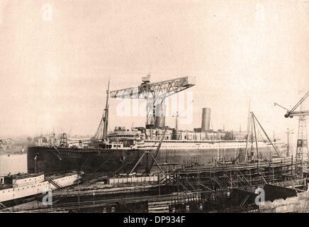 Construction of the steamboat Columbus for the German shipping company Norddeutscher LLoyd in the Schichau shipyard - Stock Photo