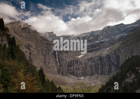 Cirque de Gavarnie and La Grande Cascade waterfall in the French Pyrenees - Stock Photo