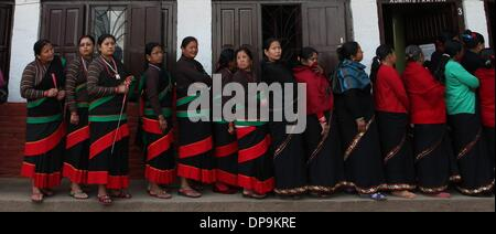 Kathmandu, Nepal. 09th Jan, 2014. Women from Newar Community attend a mass meeting organized to mark the 4th Newar - Stock Photo